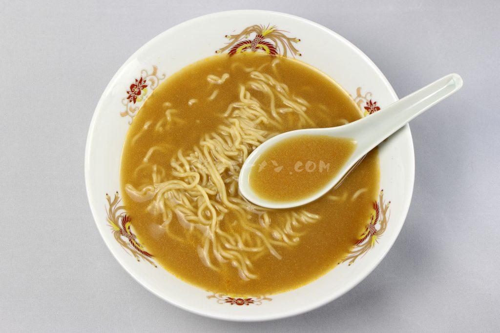 「えびみそラーメン」(小六)のスープ