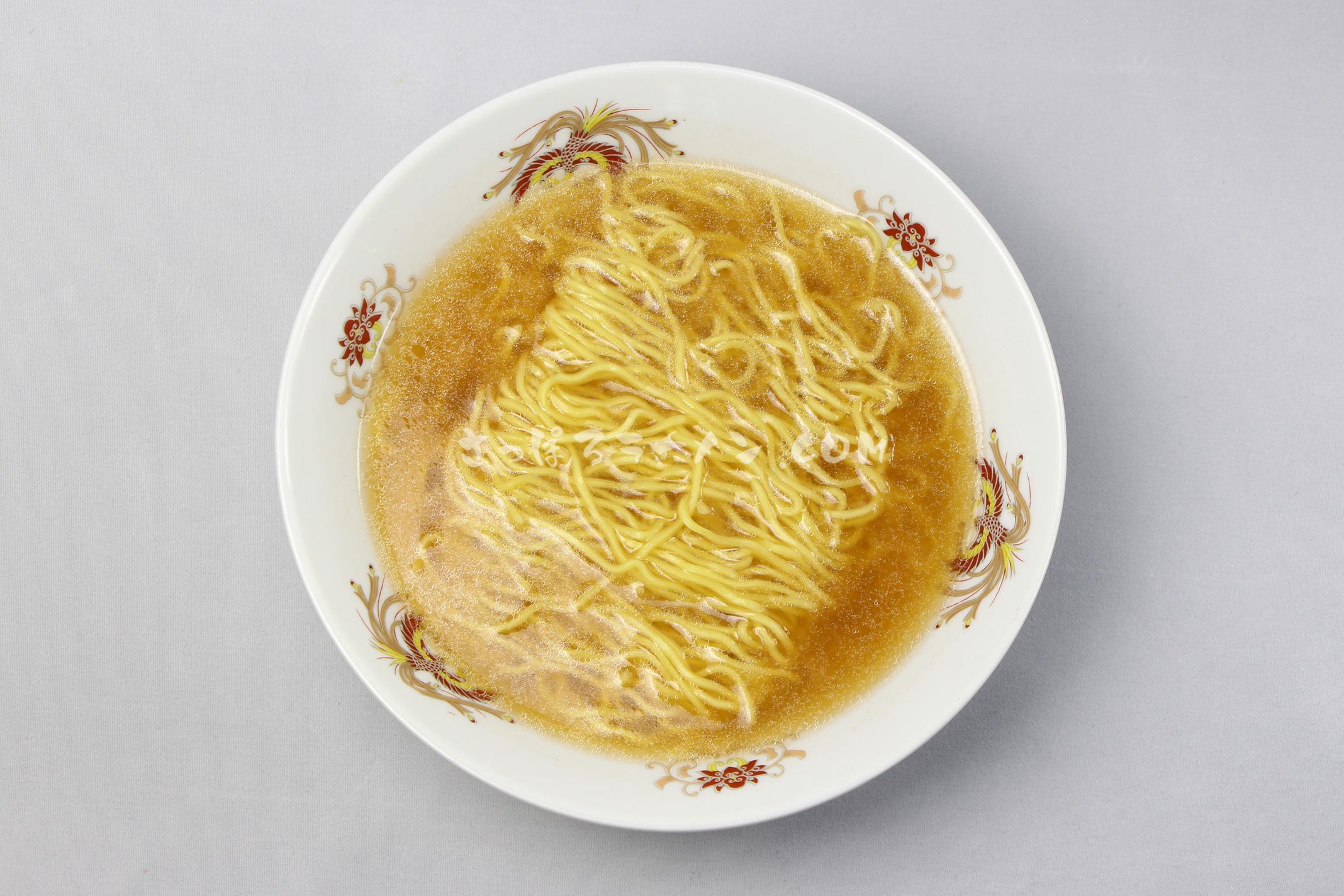 「本場北海道 カニ風味ラーメン 味噌」(藤原製麺)の完成画像