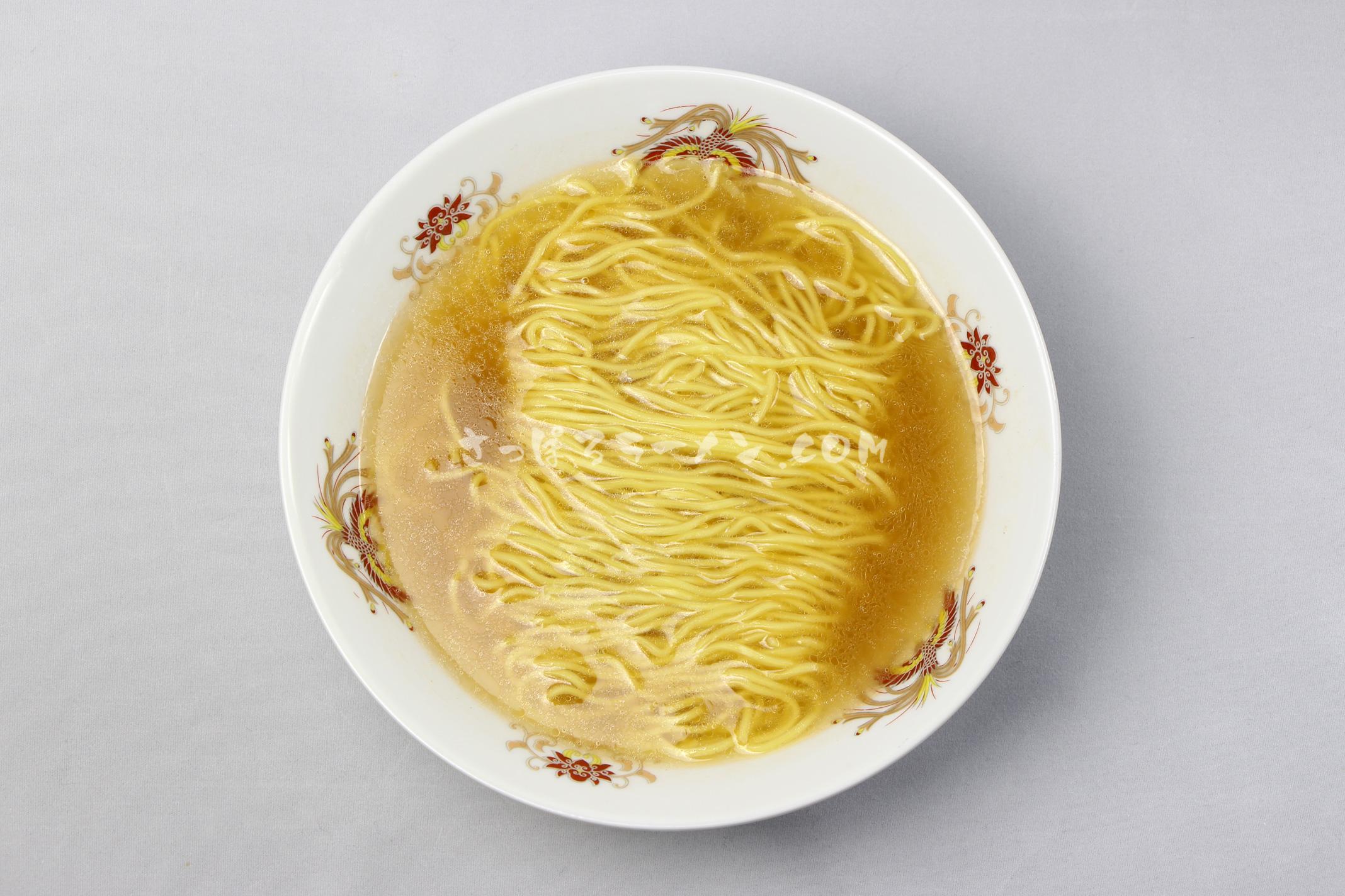 「本場北海道 えびラーメン 塩」(藤原製麺)の完成画像