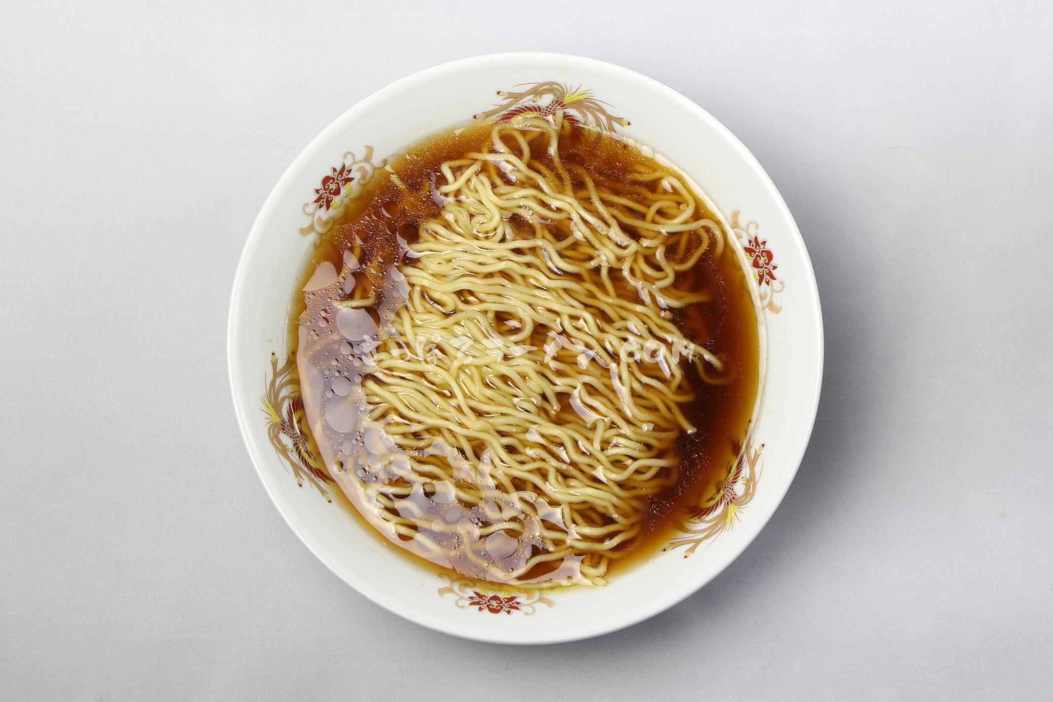 「ふらのラーメン(しょうゆ味)」(佐々木製麺所)の完成画像