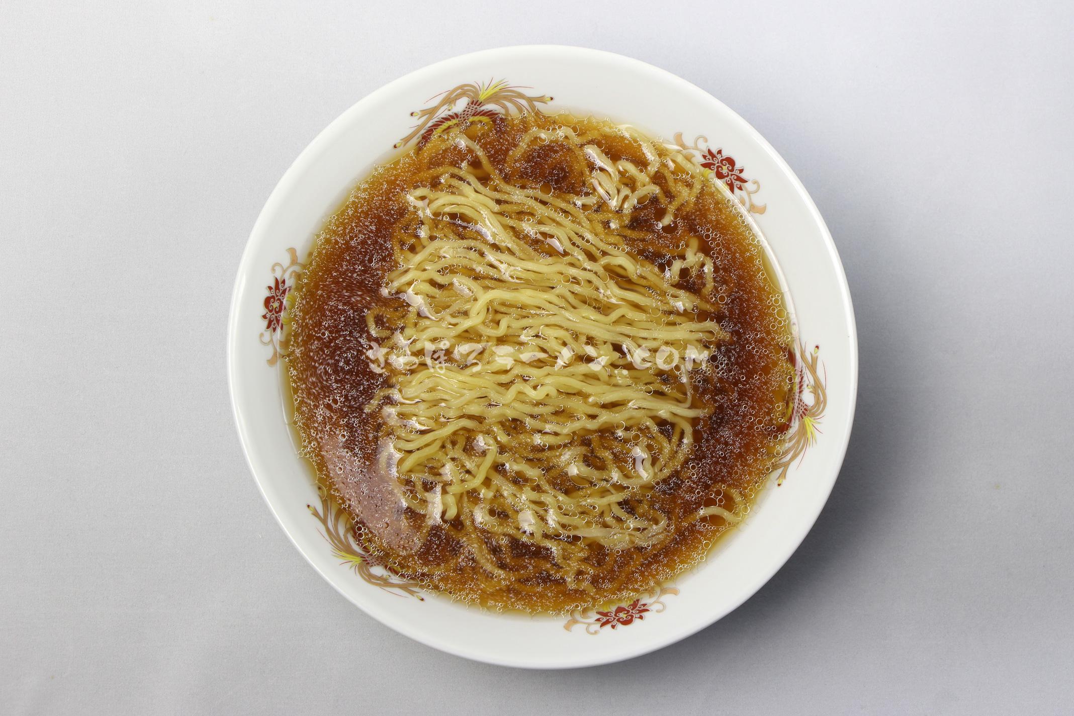 「氷温熟成乾燥ラーメン 玄咲(げんさく) 正油味」(創和)の完成画像