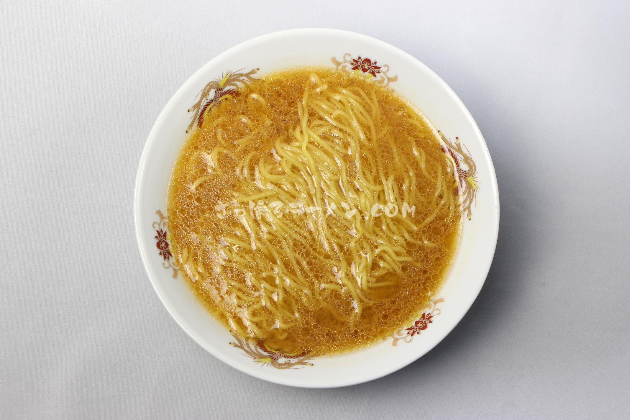 「函館らーめん屋 まつ笠 こってり味噌らーめん」(藤原製麺)の完成画像