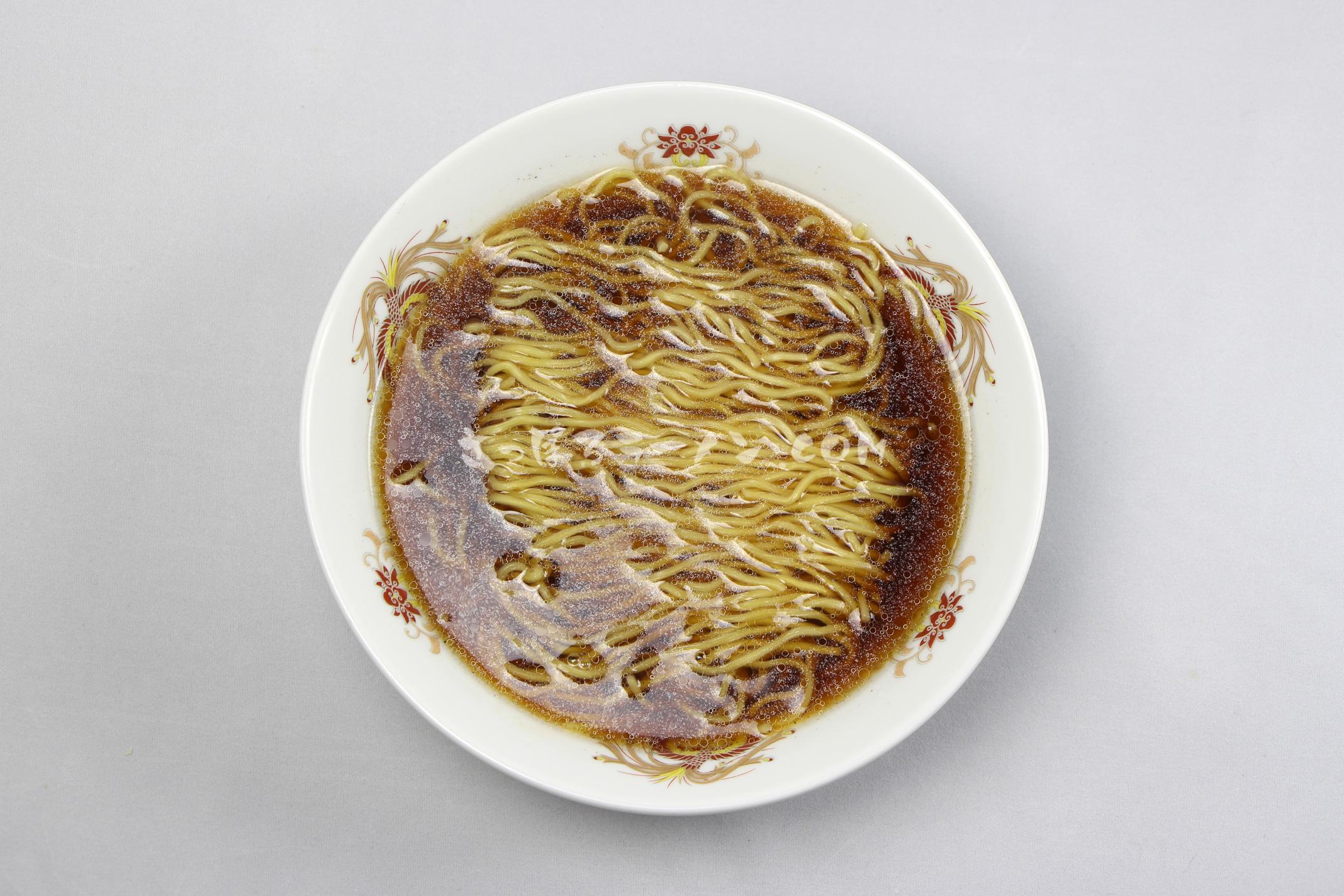 「ラーメン専門 三代目 月見軒 醬油味」(藤原製麺)の完成画像